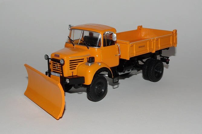 "N°10 - L 64-6 M3 4X4 cabine relaxe 1965 ""Chasse neige"" - Page 2 10-berliet-l-64-6-m3-4x4"
