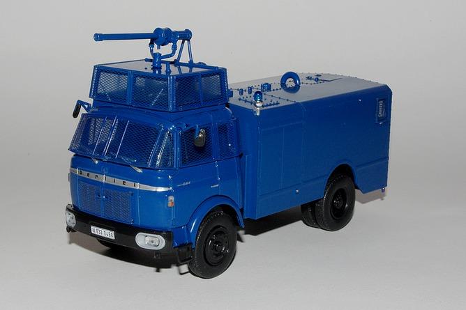 11 berliet gbk80 fourgon pompe gendarmerie