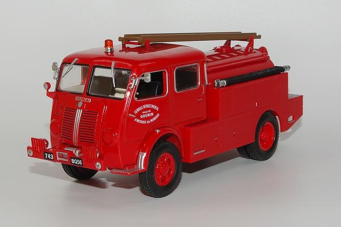 136 berliet glb 19 4x4 double cabine