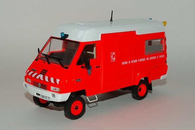 16 renault b 70 35 d 4x4 fourgon serie pompiers