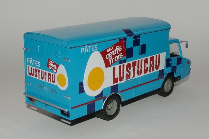 N°27- Berliet Stradair 20 - Fourgon (1966)  27-stradair-lustucru-arr