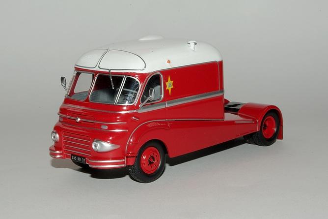 4 assomption ford f094 et caravane du directeur