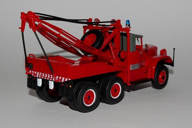 46 camion grue sur diamond t 969 arr