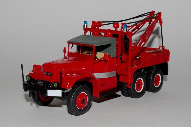46 camion grue sur diamond t 969
