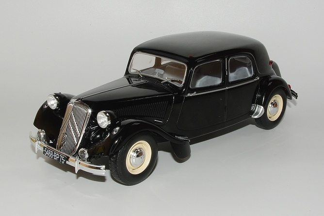 7 citroen traction 15 6