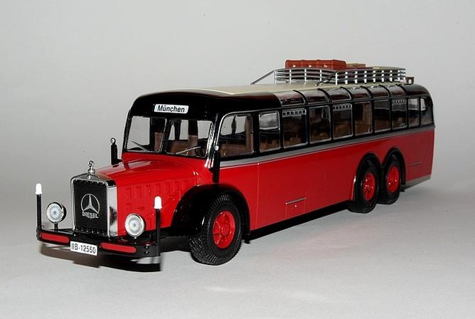 04 Mercedes 010000