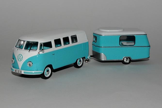 Cadeau 5 volkswagen kombi et sa caravane eriba