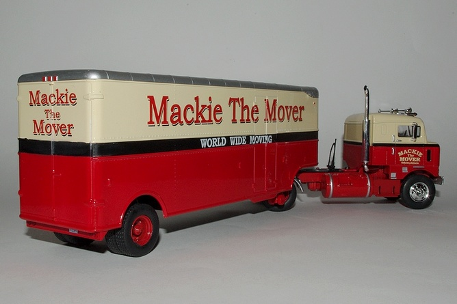 Cadeaux kenworth bullnose mackie the mover arr