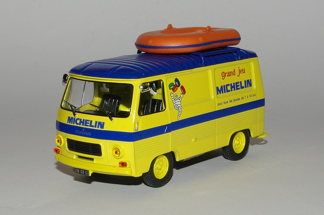 Peugeot j7 jeu de plage