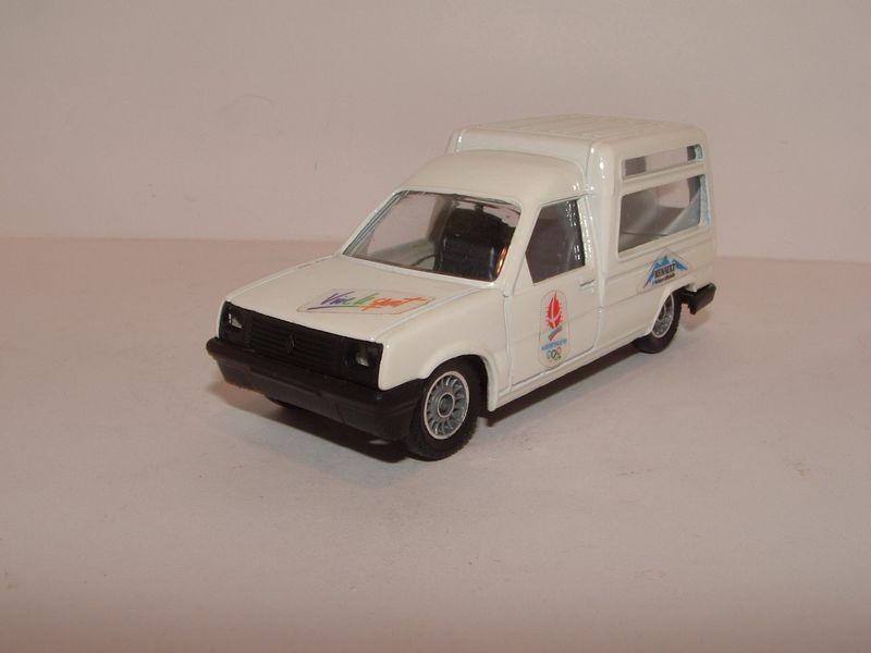 Renault 121