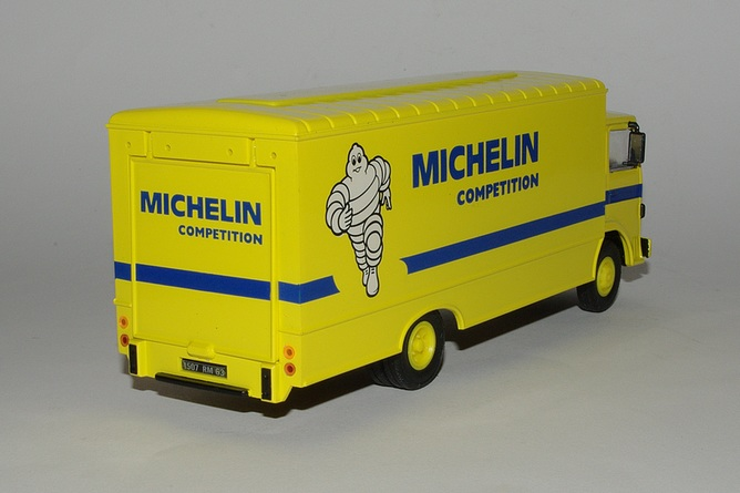 Renault s michelin competition arr
