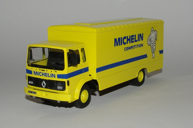 Renault s michelin competition